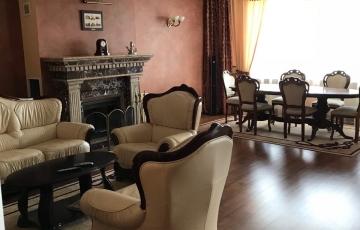 Продам 5 ком кв П. Поле, ул Балакирева 21А, новый дом с ремонтом, мебелью. паркингом.