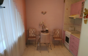 Продам 2-х комнатную квартиру на ул. Космическая